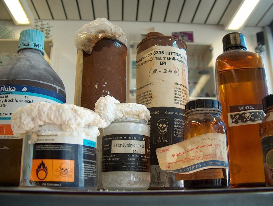 chemikálie v domácnosti
