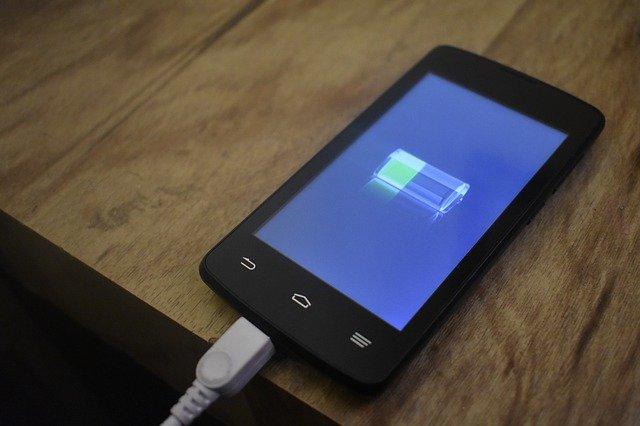 dobíjení mobilu