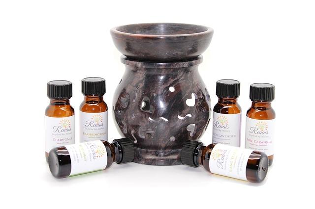 éterické oleje a aromalampa
